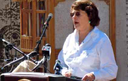 Feinstein's role as water referee complicated by drought