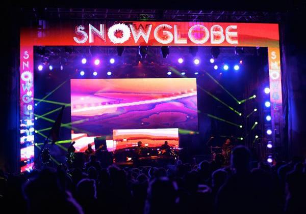 SnowGlobe vibrates with techno flare