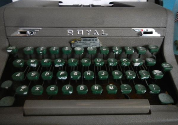 Old-school typewriters attract new fans