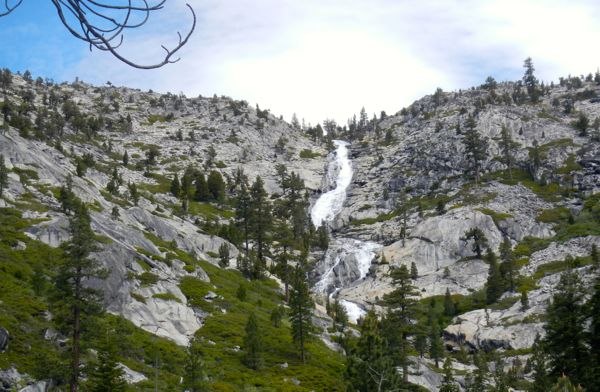 Horsetail Falls swooshes down through a wall of granite. Photos/Kathryn Reed