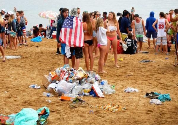 Plastic bag manufacturers file second Calif. measure