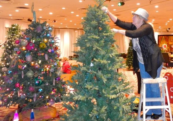 STR to recycle Christmas trees