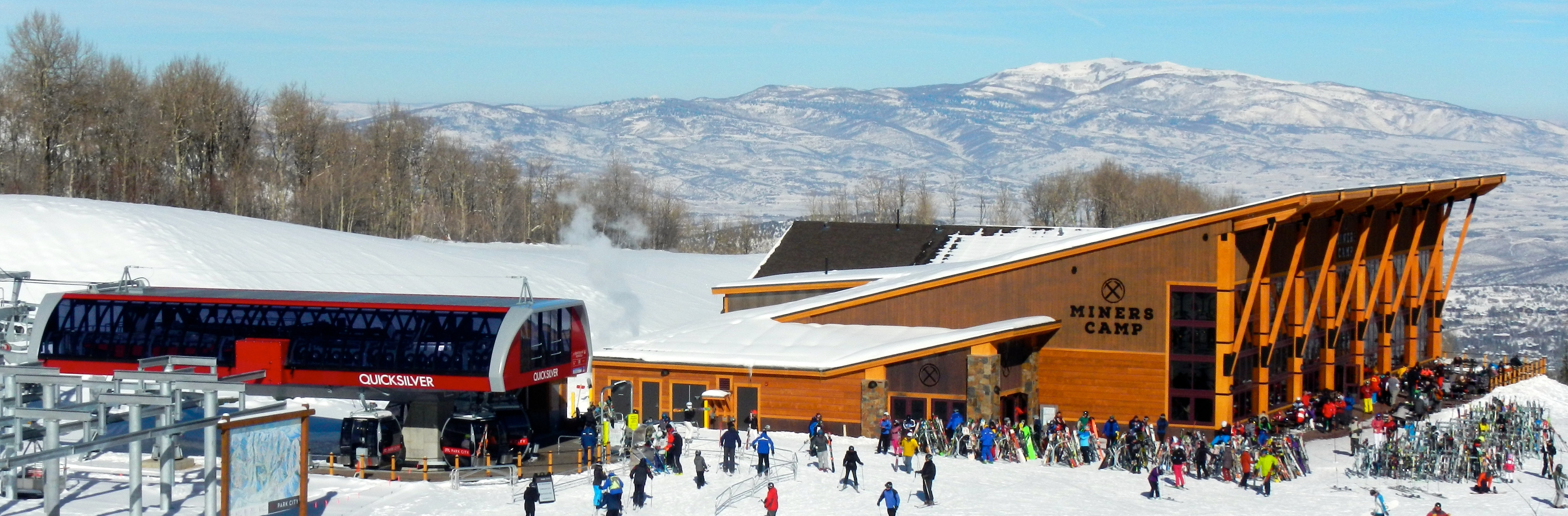 The gondola and mid-mountain lodge are new for the 2015-16 ski season. Photo/Kathryn Reed