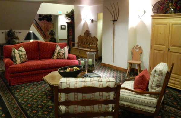 Goldener Hirsch at the base of Deer Valley has communal seating throughout. Photo/Kathryn Reed