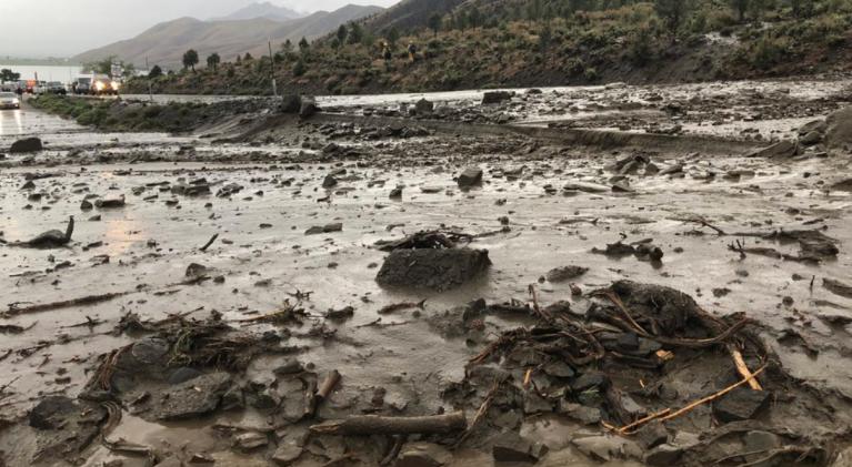 Mudslide halts traffic on Hwy. 395